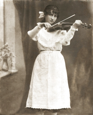 My grandmother Chaya-Clara Chestnaya. Musical talents neglected once she reached Palestine.
